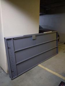 Шкаф на парковке
